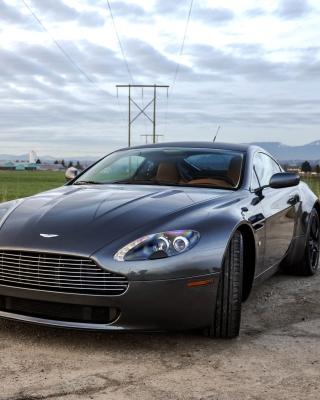 Aston Martin V8 Vantage - Obrázkek zdarma pro Nokia X7