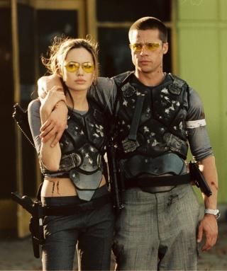 Mr. & Mrs. Smith - Obrázkek zdarma pro Nokia C1-02