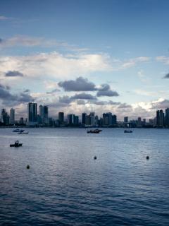 Screenshot №1 pro téma Panama City 240x320
