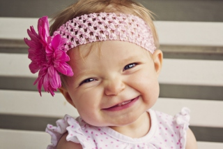 Free Little Girl In Pink Flower Crown Picture for Android, iPhone and iPad