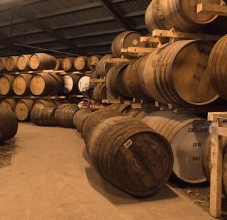 Whiskey Barrels - Obrázkek zdarma pro 208x208