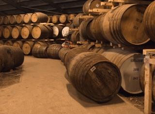 Whiskey Barrels - Obrázkek zdarma pro Fullscreen Desktop 1400x1050