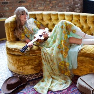 Taylor Swift - Obrázkek zdarma pro iPad Air