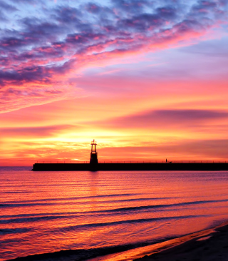 Lighthouse And Red Sunset Beach - Obrázkek zdarma pro 480x640
