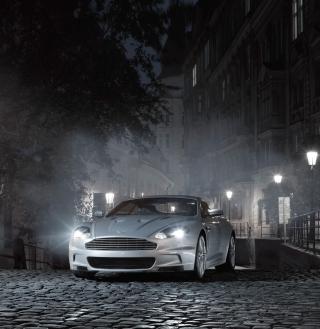 White Aston Martin At Night - Obrázkek zdarma pro 1024x1024