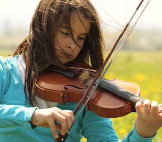 Girl Playing Violin - Obrázkek zdarma pro 208x208