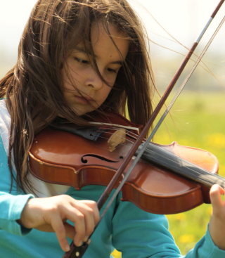 Girl Playing Violin - Obrázkek zdarma pro 352x416