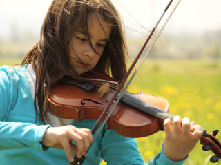 Girl Playing Violin - Obrázkek zdarma pro 220x176
