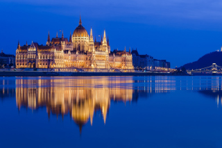 Hungarian Parliament Building Background for Android, iPhone and iPad