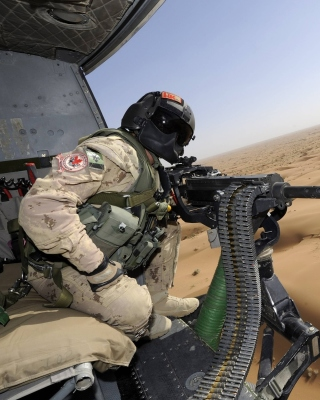 Machine Gun with Soldiers - Obrázkek zdarma pro 320x480