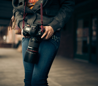 Girl With Photocamera - Obrázkek zdarma pro iPad