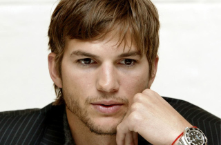 Free Ashton Kutcher Picture for Android, iPhone and iPad