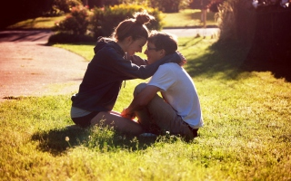 Free Young Love Picture for Android, iPhone and iPad