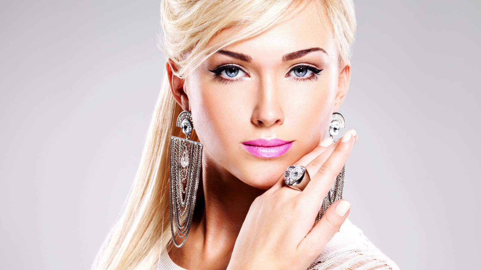 Blonde Model Pics 20