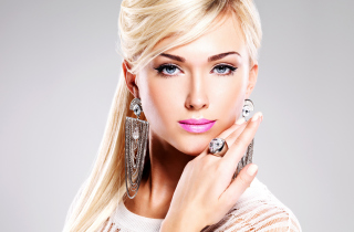 Free Beautiful Blonde Model Wearing Fashion Jewelry Picture for Android, iPhone and iPad
