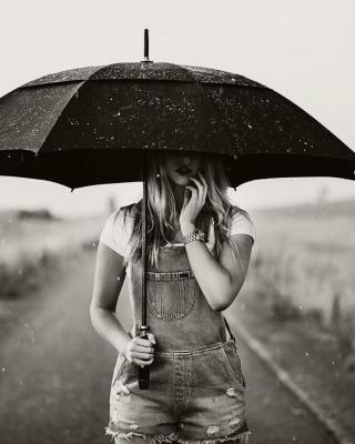 Girl Under Black Umbrella - Obrázkek zdarma pro 320x480