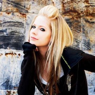Avril Lavigne - Obrázkek zdarma pro iPad mini