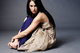 Megan Fox Background for Android, iPhone and iPad