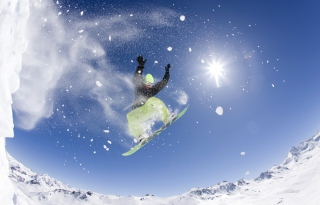 Free Snowboarding Picture for Android, iPhone and iPad