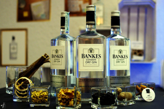 Dry Gin Bankers Background for Android, iPhone and iPad