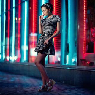 Girl After Disco - Obrázkek zdarma pro 208x208