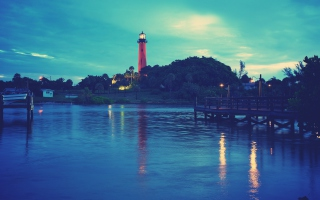 Free Lighthouse At Twilight Picture for Android, iPhone and iPad