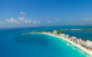 Blue Cancun - Obrázkek zdarma pro Sony Xperia E1