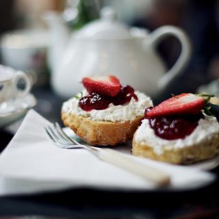 Good Morning In Cafe - Obrázkek zdarma pro 208x208