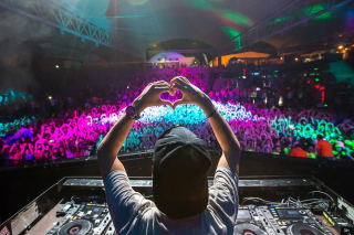Avicii Picture for Android, iPhone and iPad