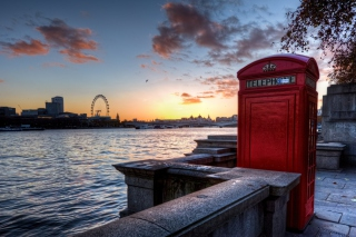 England Phone Booth in London Picture for Android, iPhone and iPad