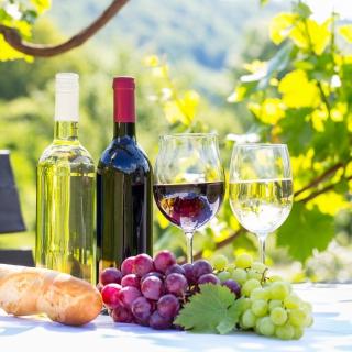 White and Red Greece Wine - Obrázkek zdarma pro iPad Air
