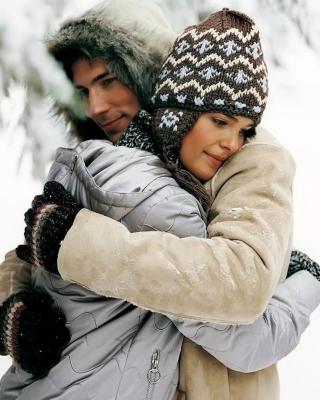 Romantic winter hugs - Obrázkek zdarma pro 352x416