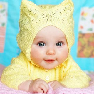 Baby In Yellow Hood - Obrázkek zdarma pro iPad