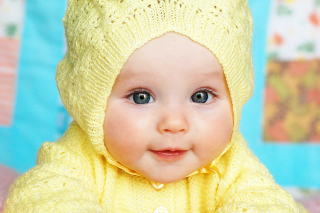 Baby In Yellow Hood - Obrázkek zdarma pro Android 720x1280