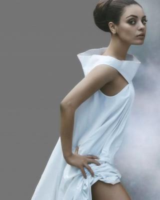 Mila Kunis Ukrainian actress - Obrázkek zdarma pro Nokia 5233