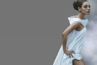 Mila Kunis Ukrainian actress - Obrázkek zdarma pro Samsung Galaxy S 4G