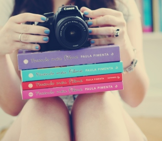 Girl Studying Photography - Obrázkek zdarma pro iPad mini 2