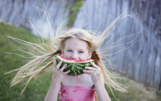 Girl Eating Watermelon Picture for Android, iPhone and iPad