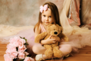 Free Cute Little Girl With Teddy Bear Picture for Android, iPhone and iPad
