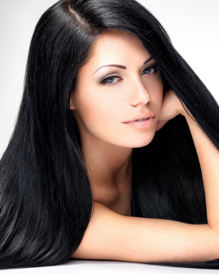 Free Brunette Portrait Picture for 480x854