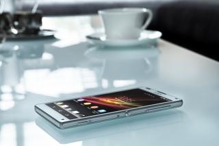 Sony Xperia Z - Obrázkek zdarma pro Sony Xperia M