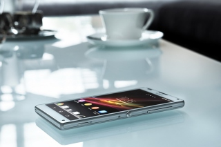 Sony Xperia Z - Obrázkek zdarma pro Samsung Galaxy Grand 2