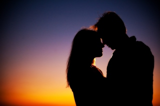Free Evening Kiss Picture for Android, iPhone and iPad