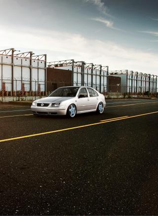 Volkswagen Jetta - Obrázkek zdarma pro Nokia C2-06