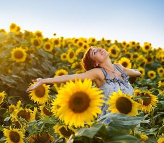 Sunflower Girl - Obrázkek zdarma pro 320x320