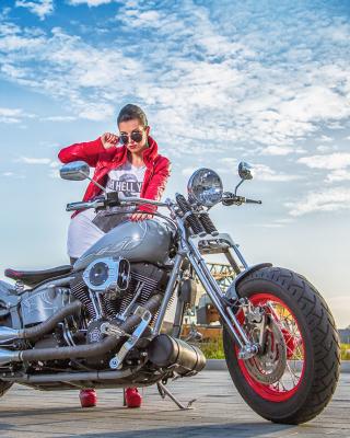 Harley Davidson with Cute Girl - Obrázkek zdarma pro Nokia X3