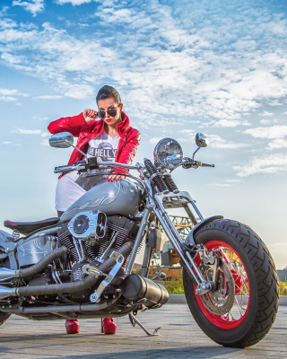 Harley Davidson with Cute Girl - Obrázkek zdarma pro 640x1136