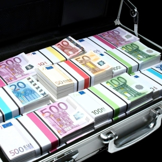 Bundle Of Euro Banknotes - Obrázkek zdarma pro iPad Air