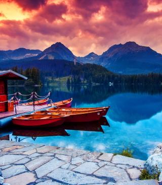 Lake In Canada - Obrázkek zdarma pro Nokia Asha 305