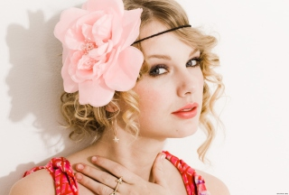 Taylor Swift With Pink Rose On Head Wallpaper for Android, iPhone and iPad